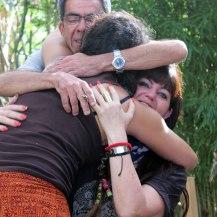 abrazo-familiar