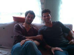 Carles con su hermano Ángel