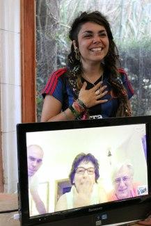Saludant-familia-Ester-per-skype