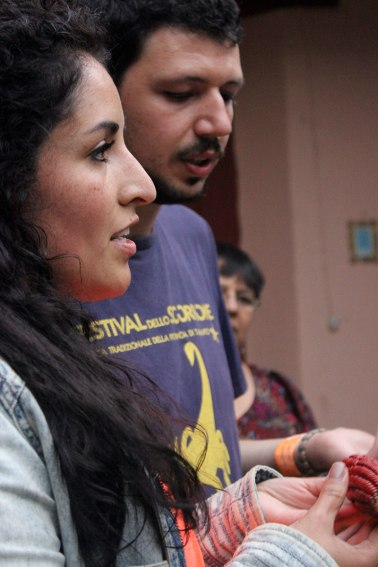 Lorena y Carlo regalan maíz como elemento significativo de Chiapas
